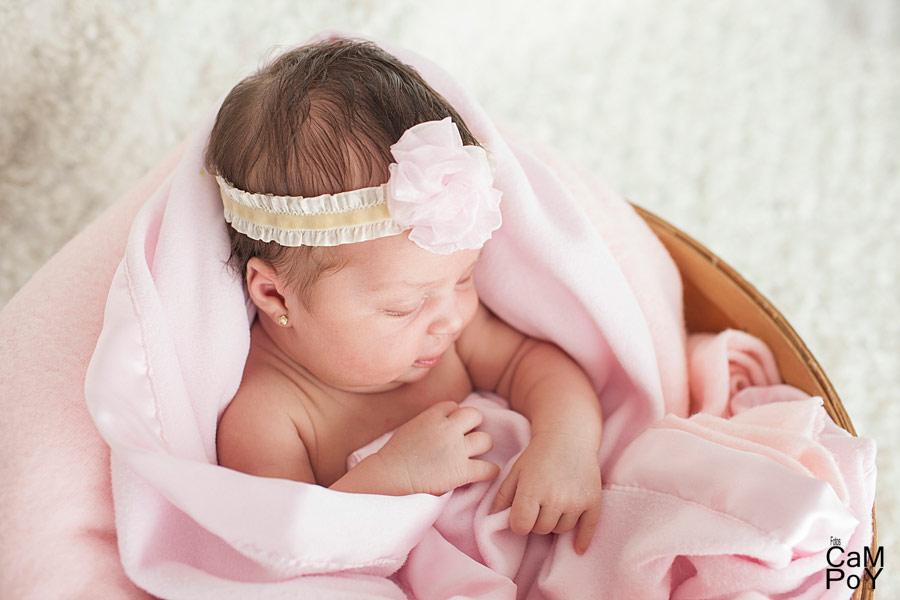 Fotos-de-Valeria-sesion-de-bebes-en-casa-10