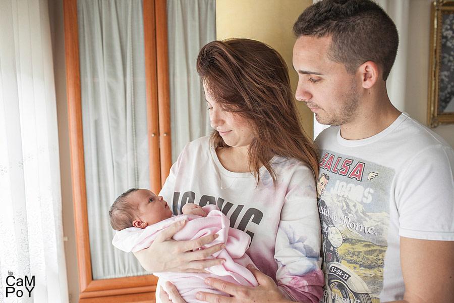 Fotos-de-Valeria-sesion-de-bebes-en-casa-11