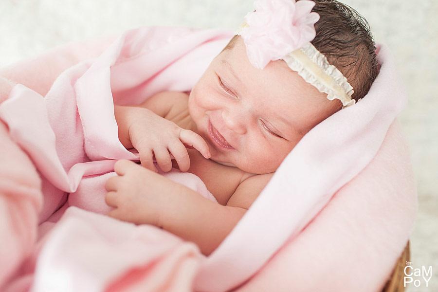 Fotos-de-Valeria-sesion-de-bebes-en-casa-3