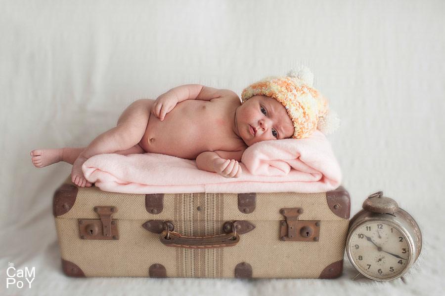 Fotos-de-Valeria-sesion-de-bebes-en-casa-5