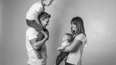 Sesión fotos de estudio en familia